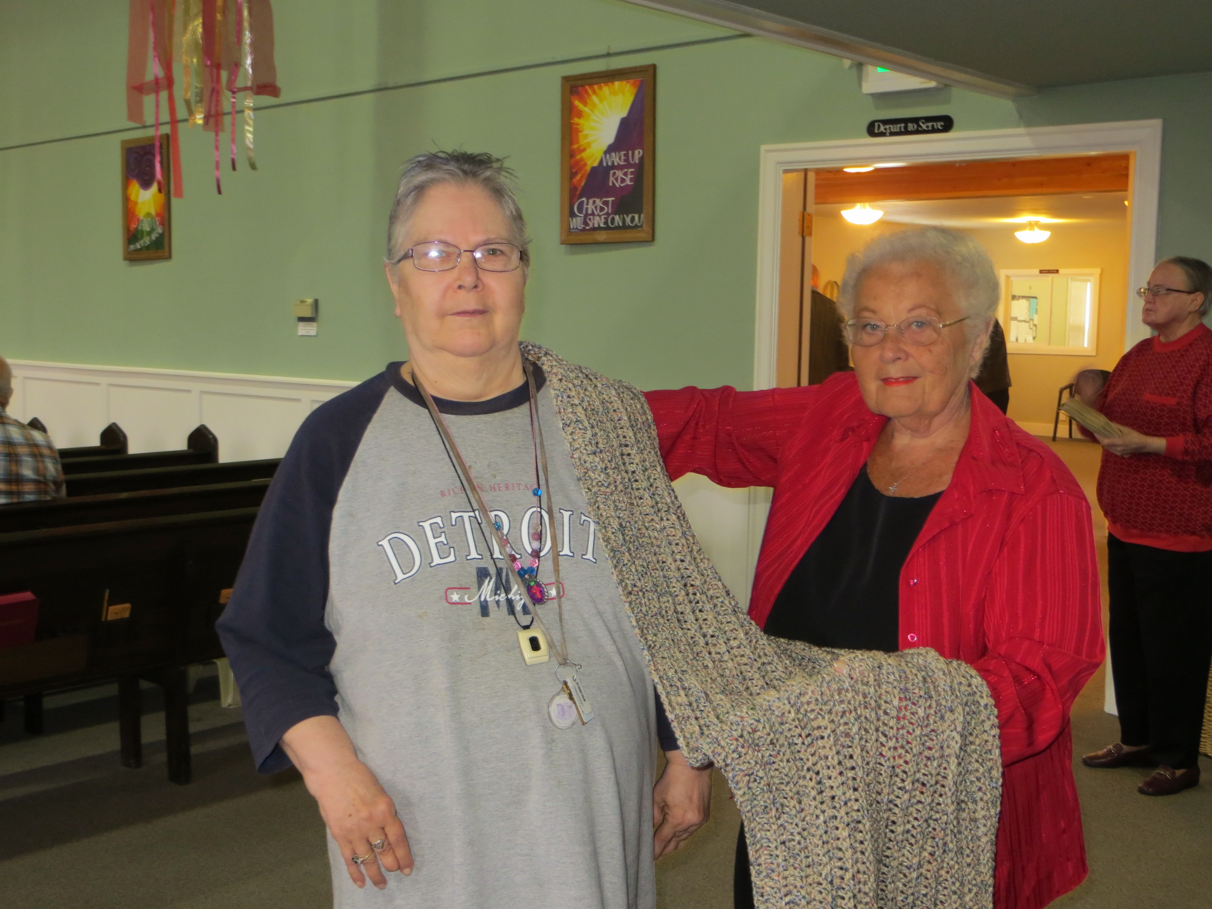 Ellie Sewell donates Shawl to Ministry
